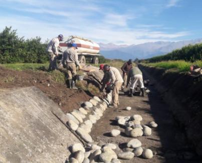 Reparación de piso y talud, Monte Bello canal San Martín sud.