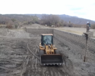 Hoy se finalizó con la limpieza de la represa de Ampimpa